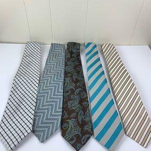 Lot of assorted ties.
